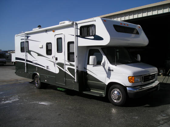 Awesome 376 Challenger Motorhome RV Camper For Rent Rental Located In Michigan